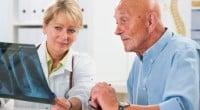 כימותרפיה היא מונח שמשמש לתיאור חומרים מסוימים שמיועדים להילחם בסרטן. הרעיון שעומד מאחורי הכימותרפיה דוגל בכך שעל ידי מתן רעלים במינון מסוים ניתן לחסל את הגורם למחלה מבלי להרוג את […]