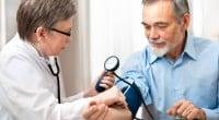 לחץ דם גבוה, או יתר לחץ דם היא מחלה כרונית שבאה לידי ביטוי בערכי לחץ דם גבוהים כשלחץ הדם הרצוי באדם הבריא הוא 120/80. יתר לחץ דם ראשוני הוא מצב […]