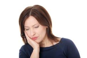 טיפול בדלקת חניכיים באמצעות רפואה אלטרנטיבית ומשלימה